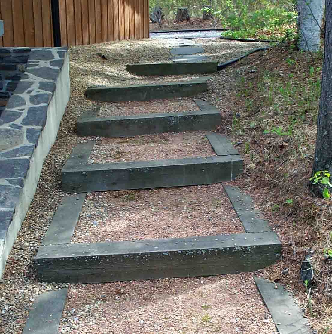 Steep home front walkway steps 6x6 cedar steps for Garden steps designs