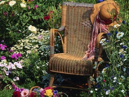 17 Best 1000 images about garden chair bench on Pinterest Gardens