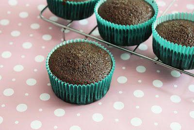 Eggless butterless chocolate cupcake