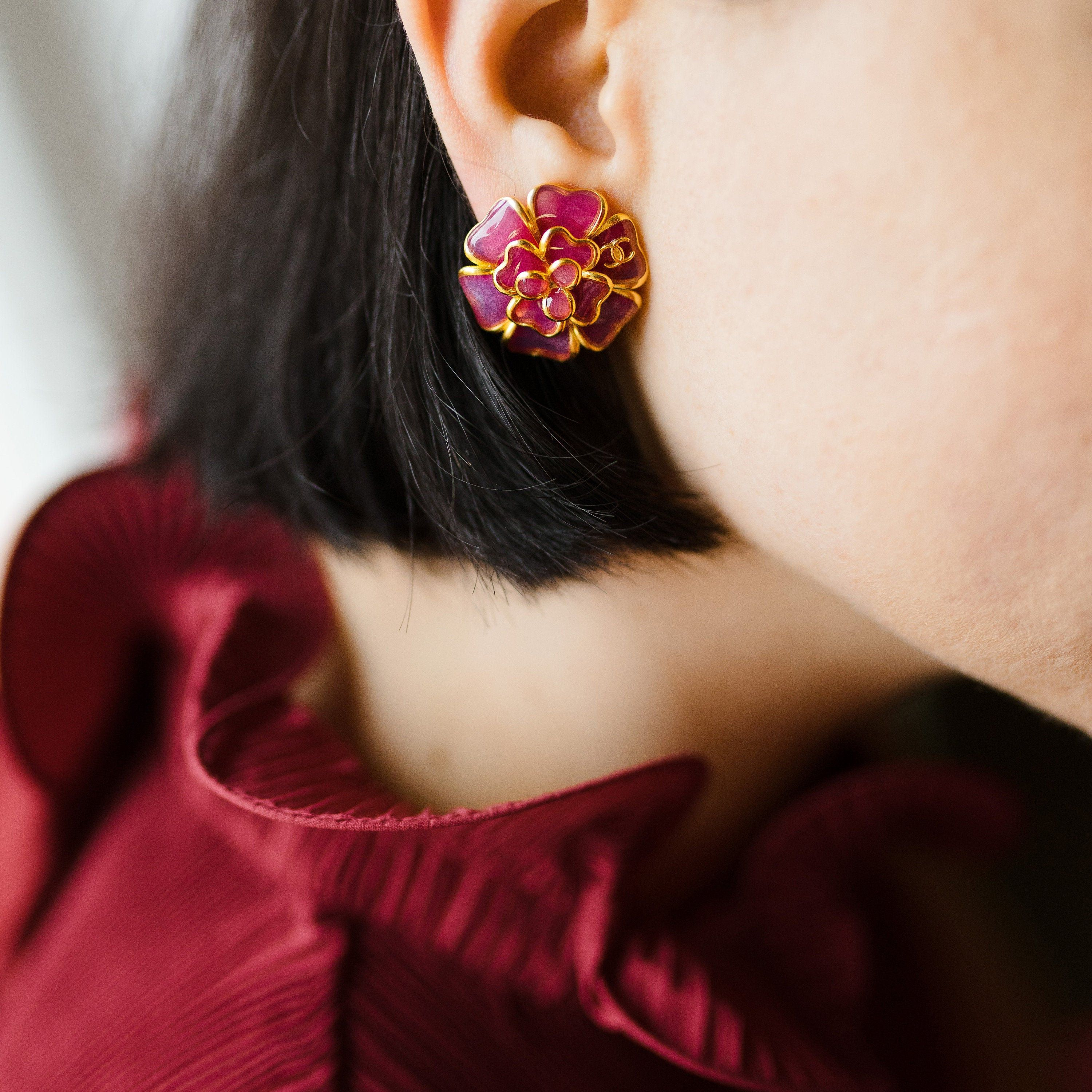 Very Rare Chanel Camellia Earrings In Berry Red 1994 Autumn Chanel Camellia Chanel Vintage Earrings In 2020 Vintage Chanel Vintage Earrings Chanel Camellia