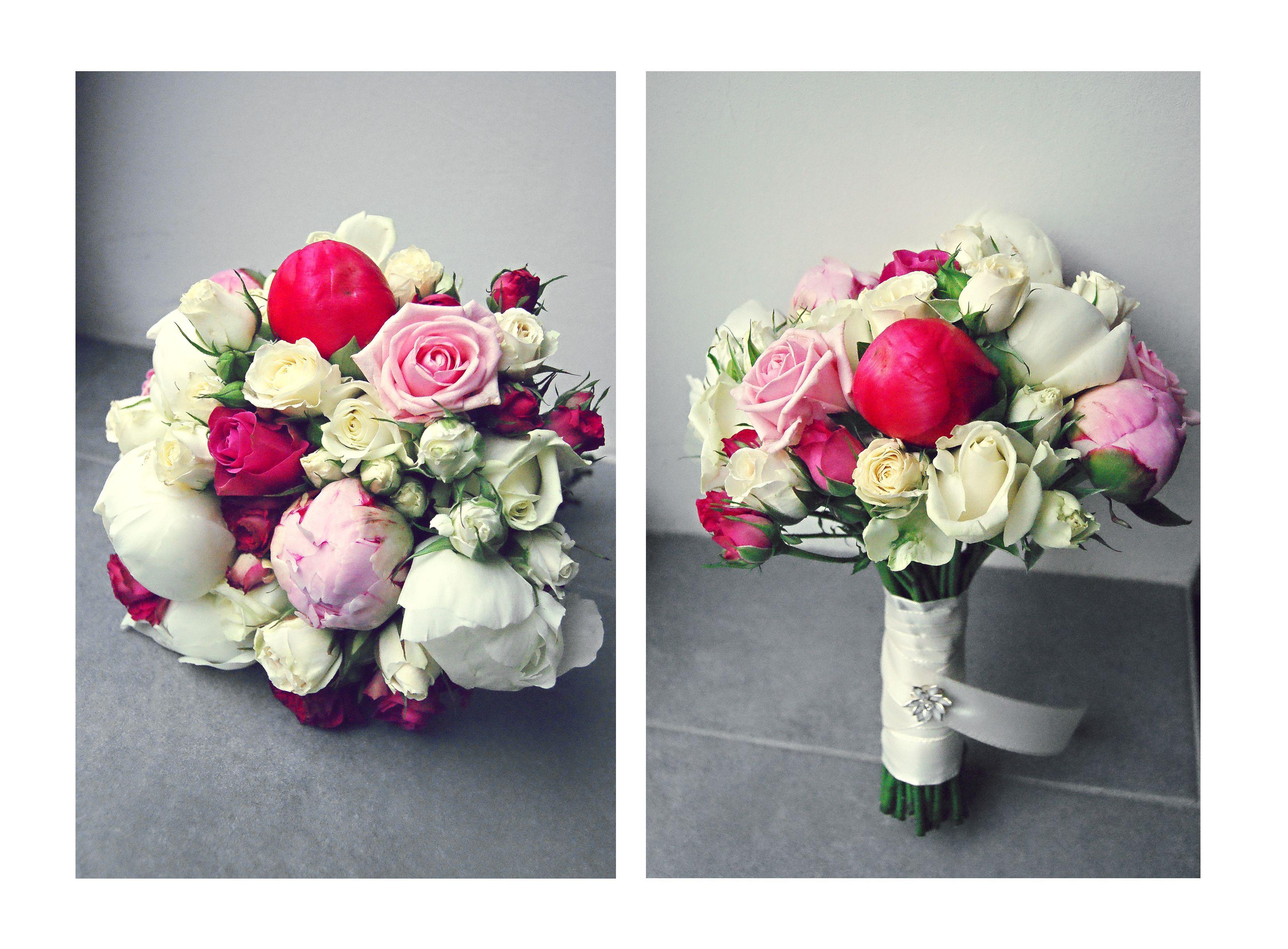 brautstrau aus pfingstrosen strauchrosen und normalen rosen in wei rosa und pink floristik. Black Bedroom Furniture Sets. Home Design Ideas