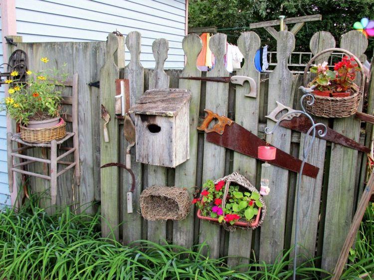 Zaun Im Garten Dekorieren