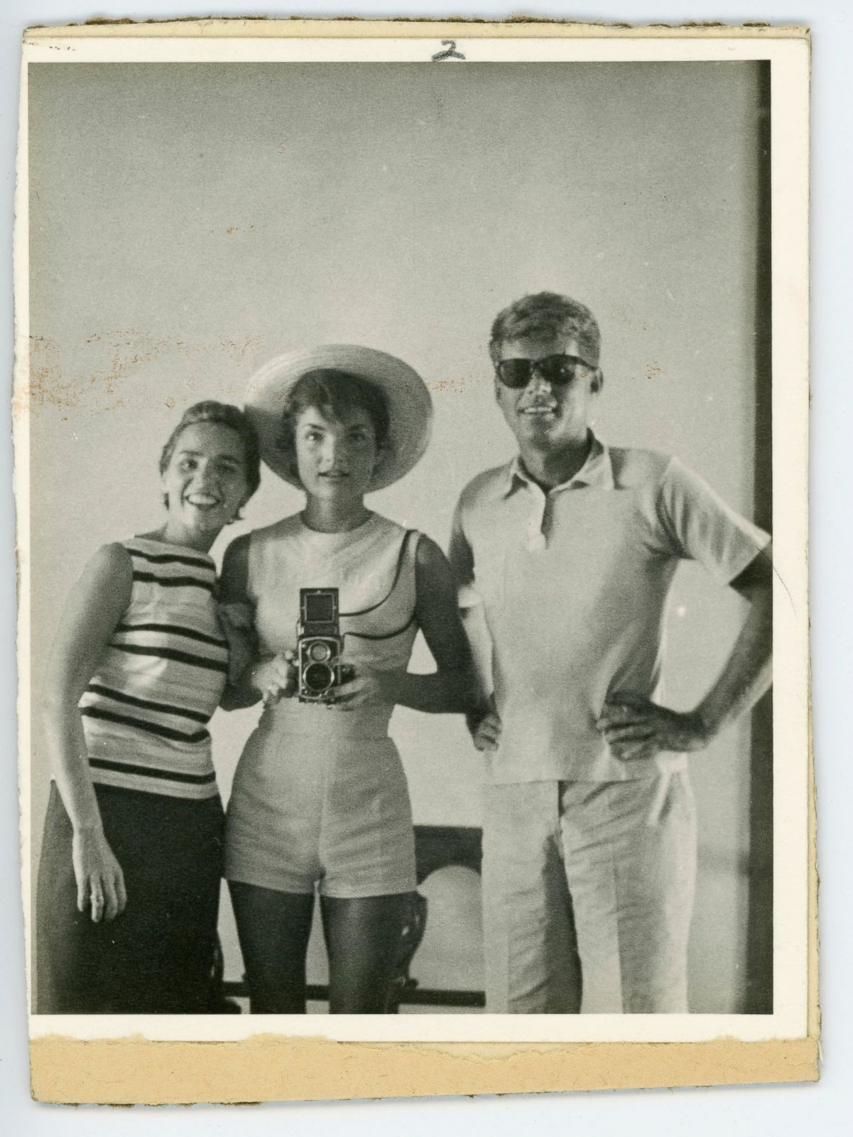 Before the Smartphone, Here Are 11 Fabulous Vintage Selfies of Famous People