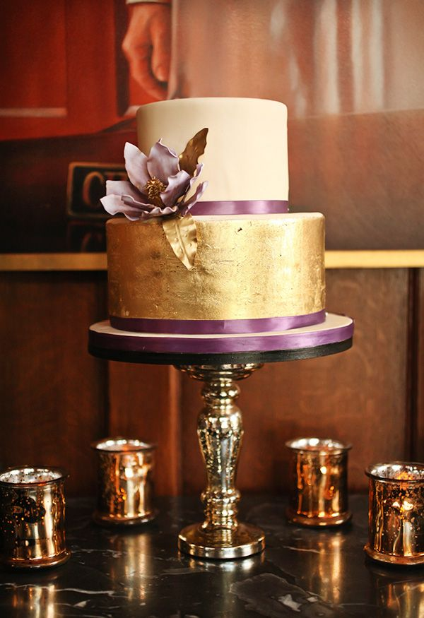 Dramatic Glamorous Dinner Party 30th Birthday Golden cake