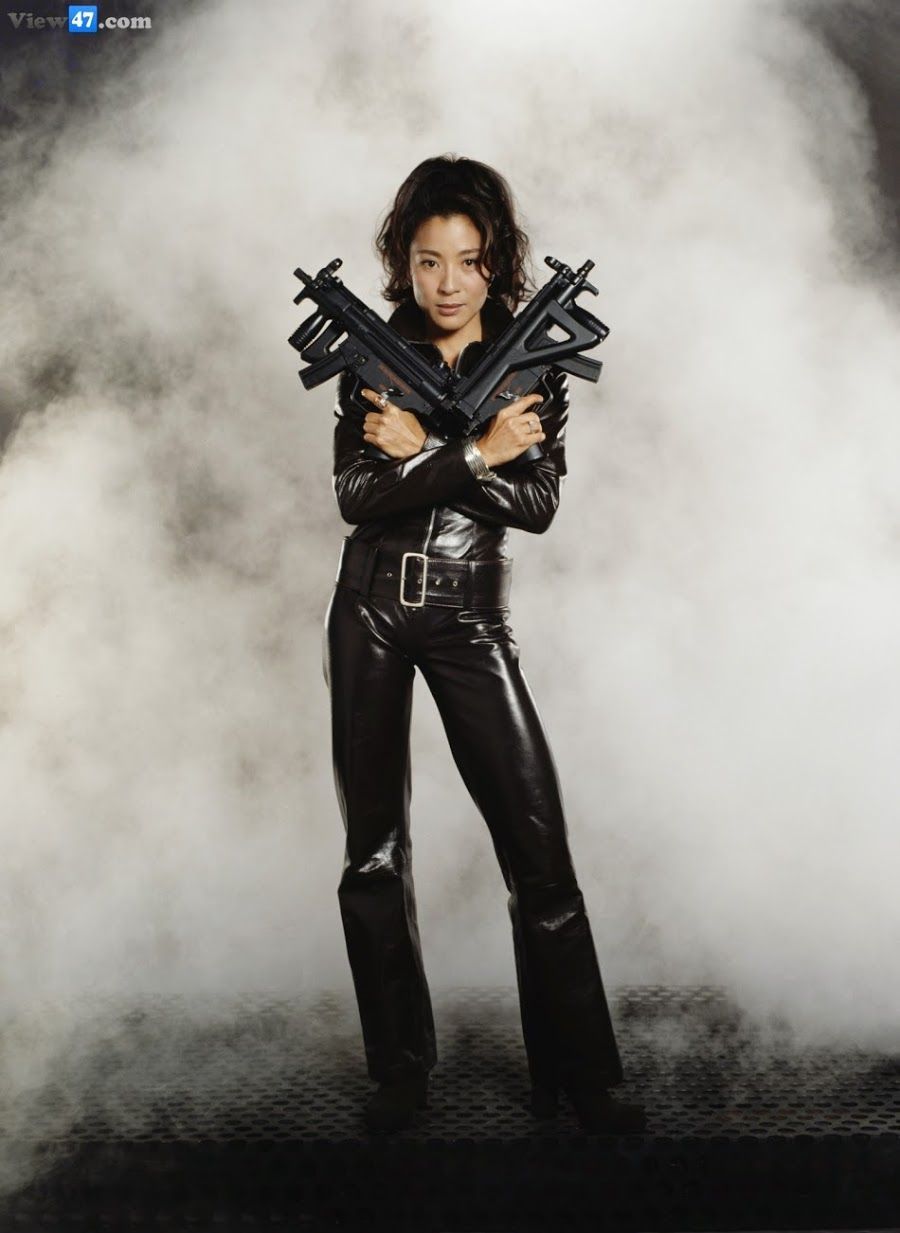Wai Lin Tomorrow Never Dies Michelle Yeoh Atrizes James Bond