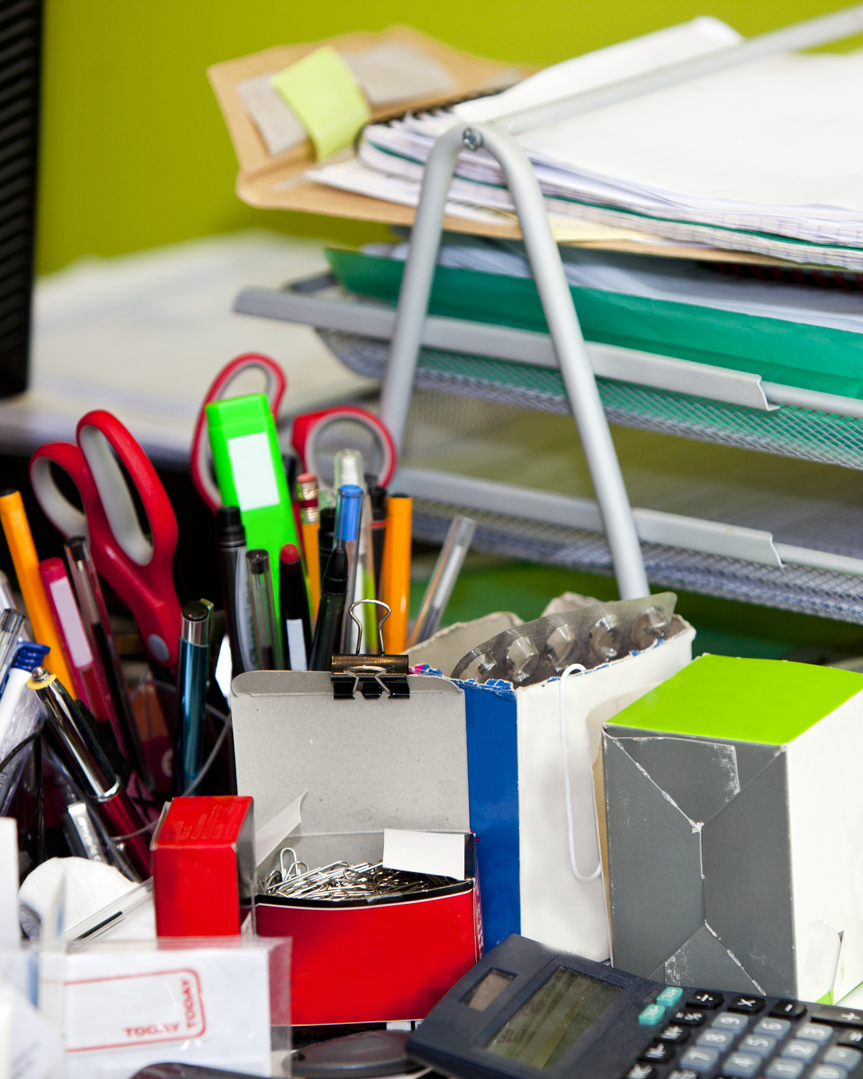 8 Creative Ways To Clear Clutter In