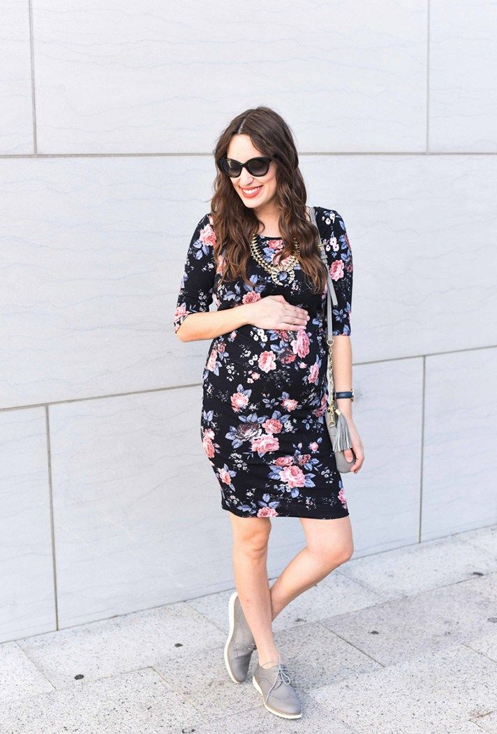 9a00e9adfa314 Pregnant Street Style: 35 stylish maternity outfit ideas that prove you can  still look chic as a mama-to-be! @stylecaster