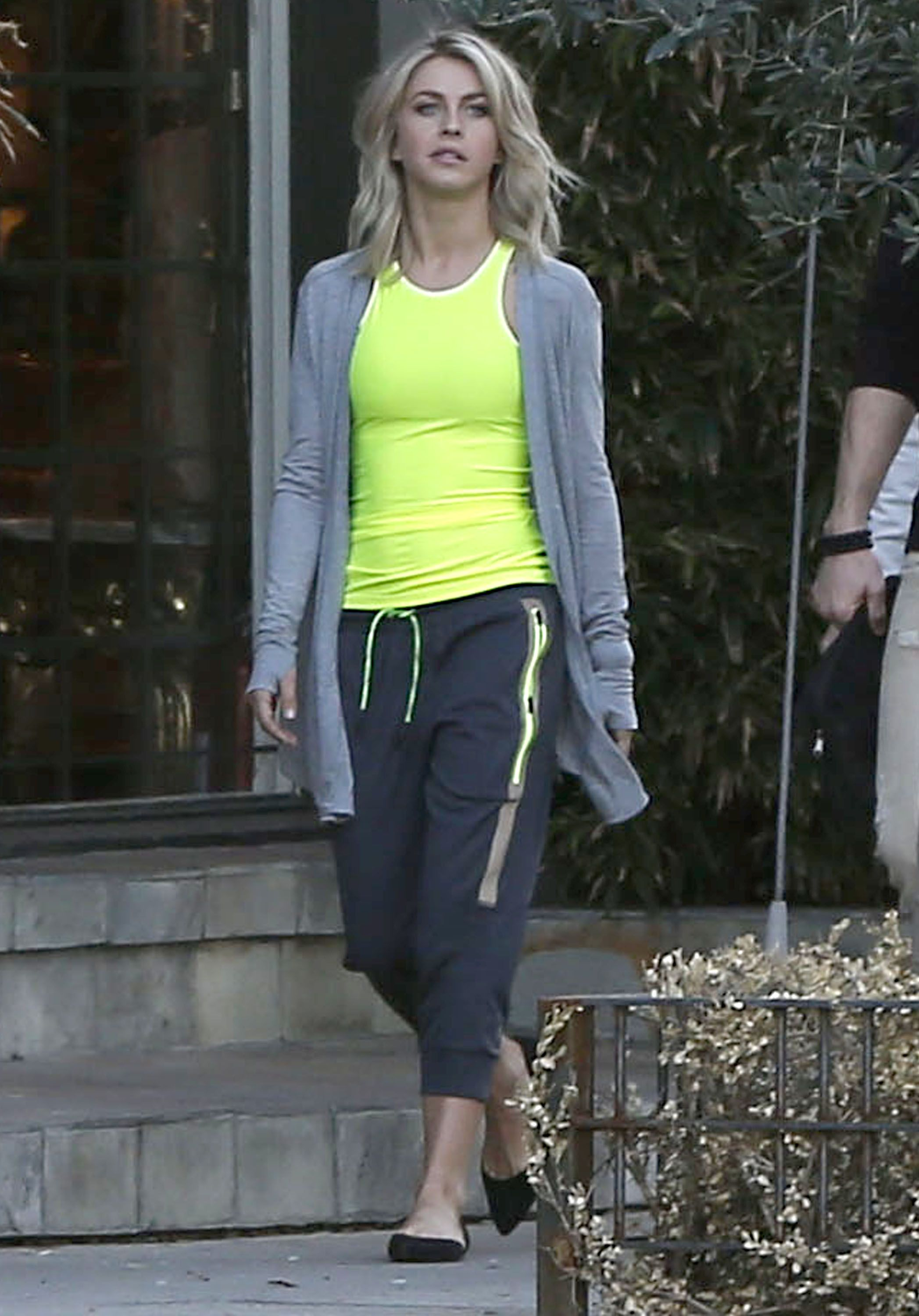 hollywood style ladies workout clothes hipster julianne hough doing photoshoot in west hollywood 2316 proform smart strider 735 elliptical trainer