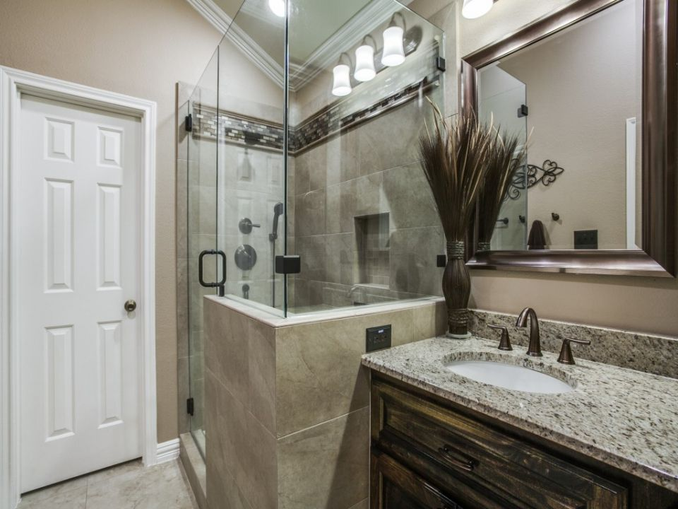 Luxurious Copper Bathtub - Bathroom Sower Area and ...