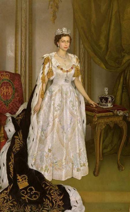 Queen Elizabeth 2 Coronation Dress | Weddings Dresses