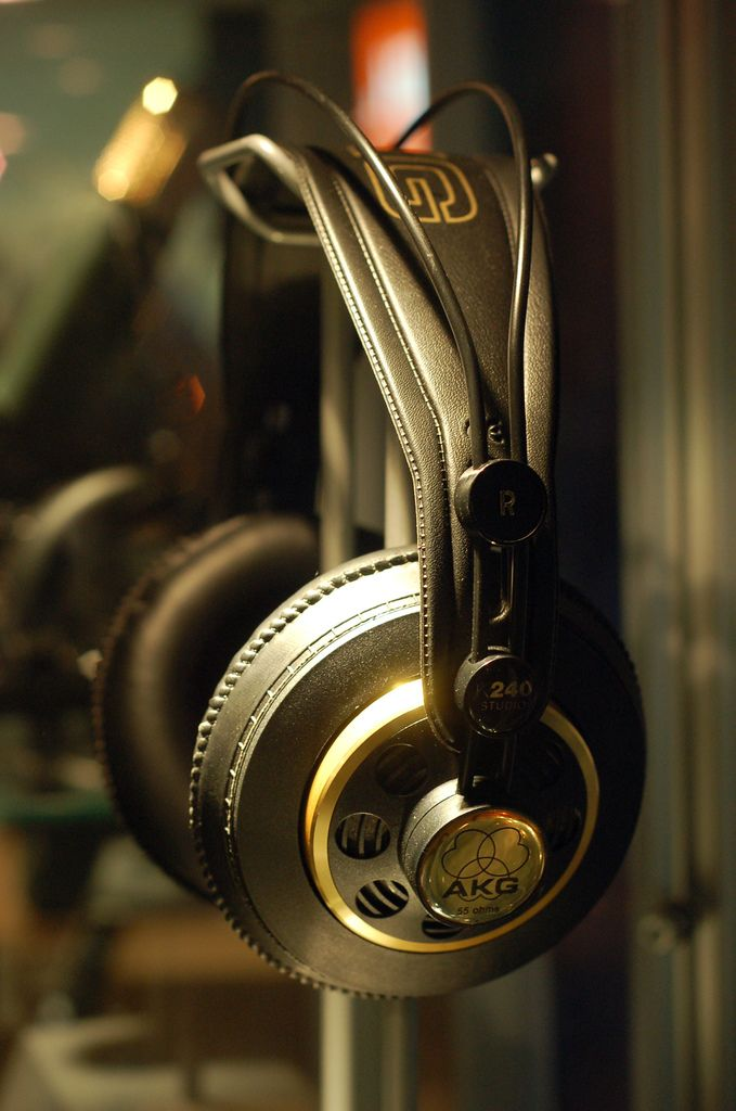 akg k240 studio grade headphones nice pair of phones i have these inthestudioorintheclub. Black Bedroom Furniture Sets. Home Design Ideas
