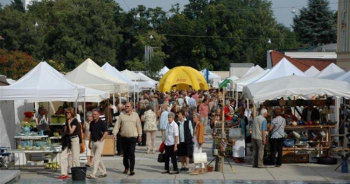 Queen Bee Flea Market Must Go And Sale