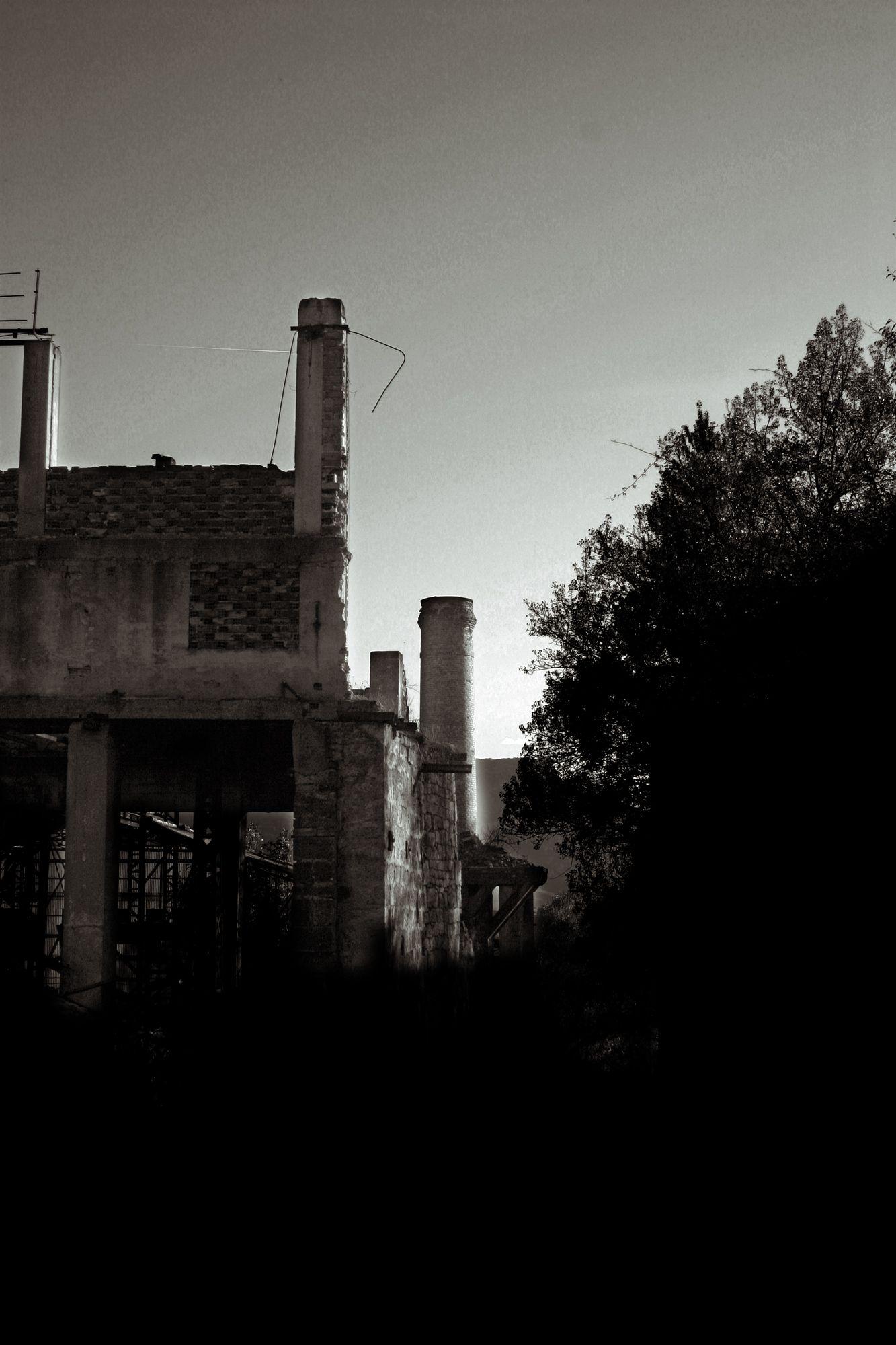 Euskal Herria. Álava / Araba, Araia, fábrica de Ajuria. Noviembre 2009