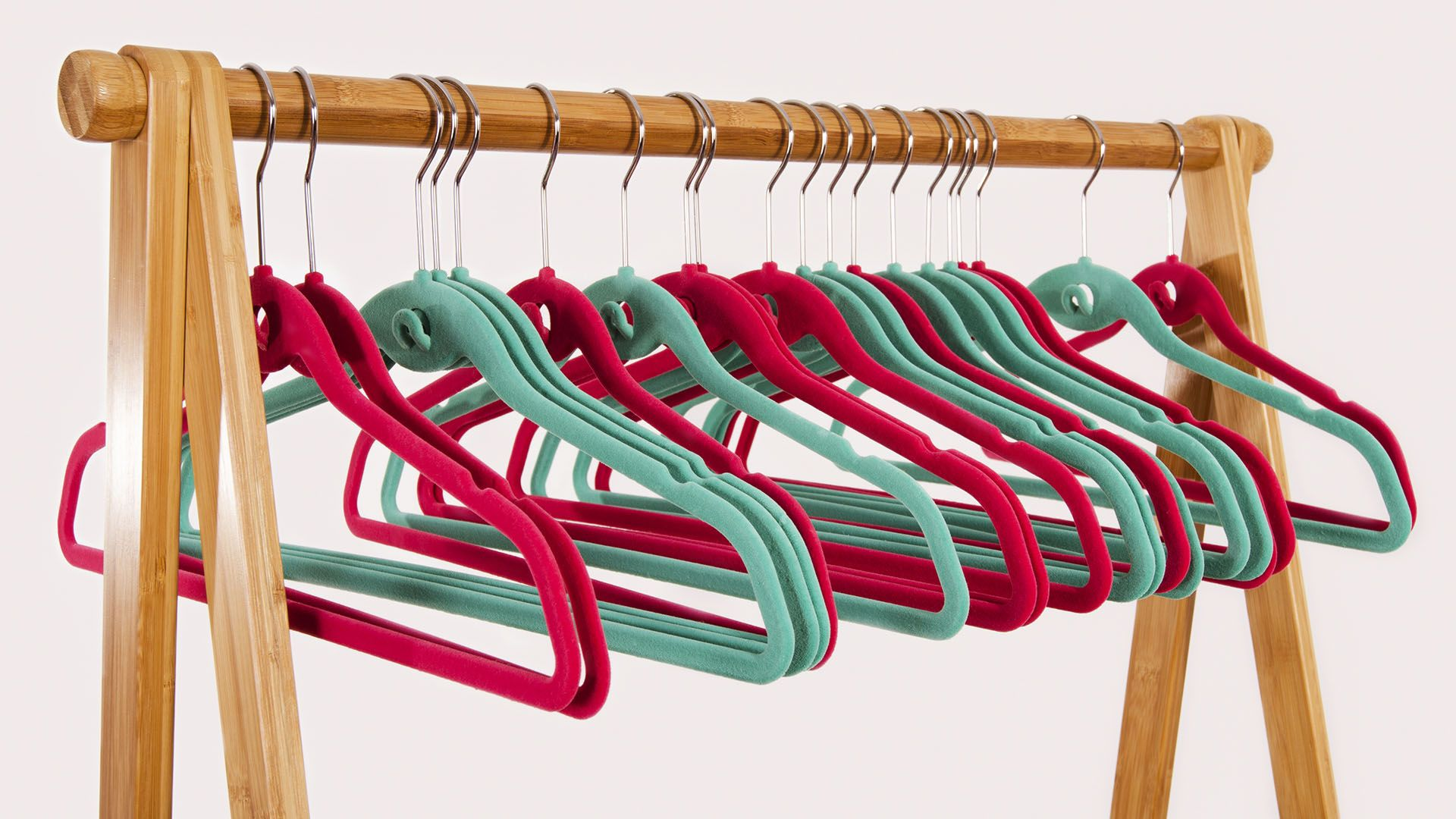 This 17 Pack Of Hangers Is The Key To Saving Space In