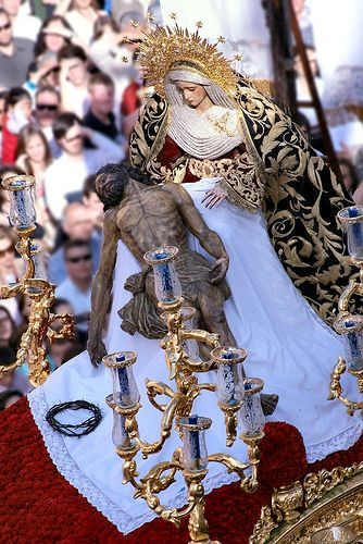 Travelingcolors Our Lady Of Sorrows Holy Week In Spain Holy Week