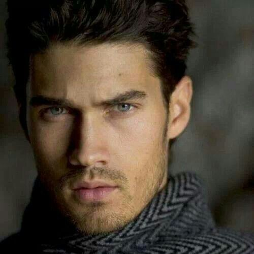 Love Men with Dark Hair and Blue Eyes !!! Hotttay ...