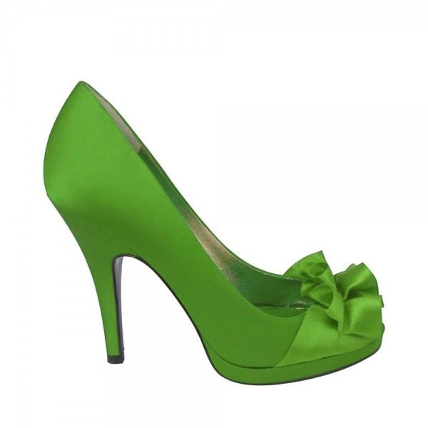 #Perfect pop of color #Green #Bridesmaid #shoe <3 www.weddingworthy.com <3