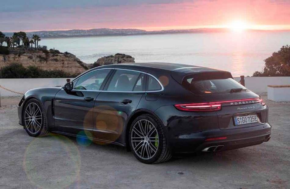 2019 Porsche Panamera 4 E Hybrid Sport Turismo. Feels free