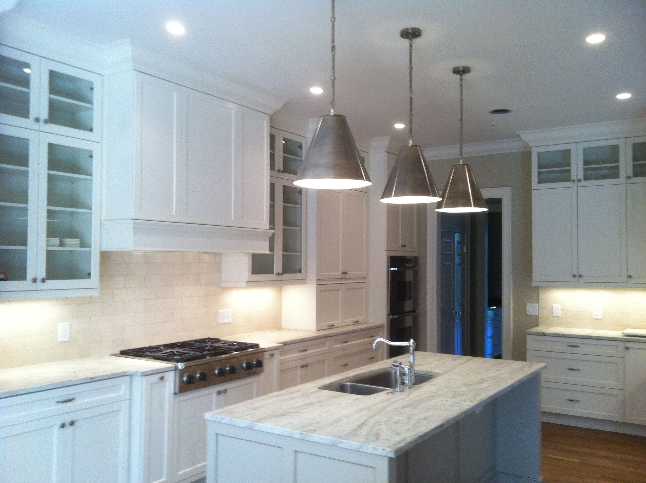 Cabinets In Sea Pearl And Revere Pewter By Benjamin Moore Revere Pewter Bedroom Revere Pewter Kitchen Home Decor Kitchen