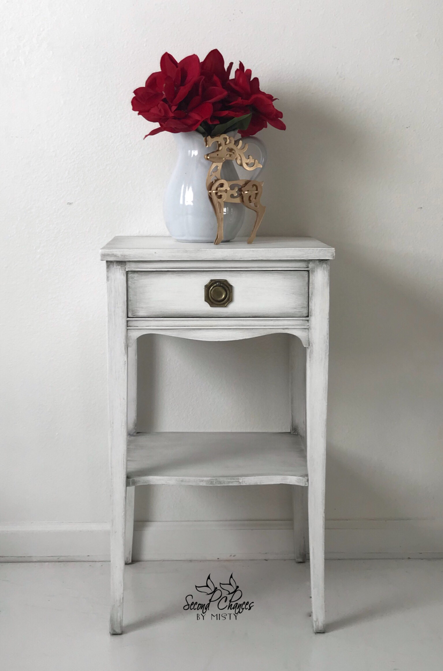 Small Table Painted In Annie Sloan Pure White And Black Wax White Chalk Paint Furniture White Painted Furniture Revamp Furniture