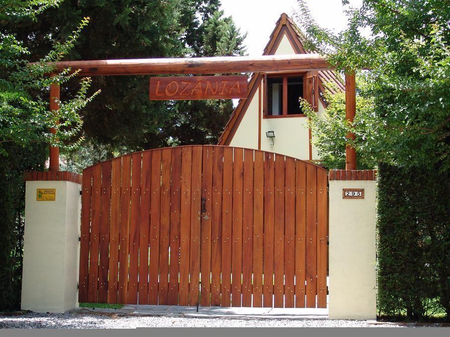Porton quinta portones en 2019 entradas de casas for Entradas de casas rusticas