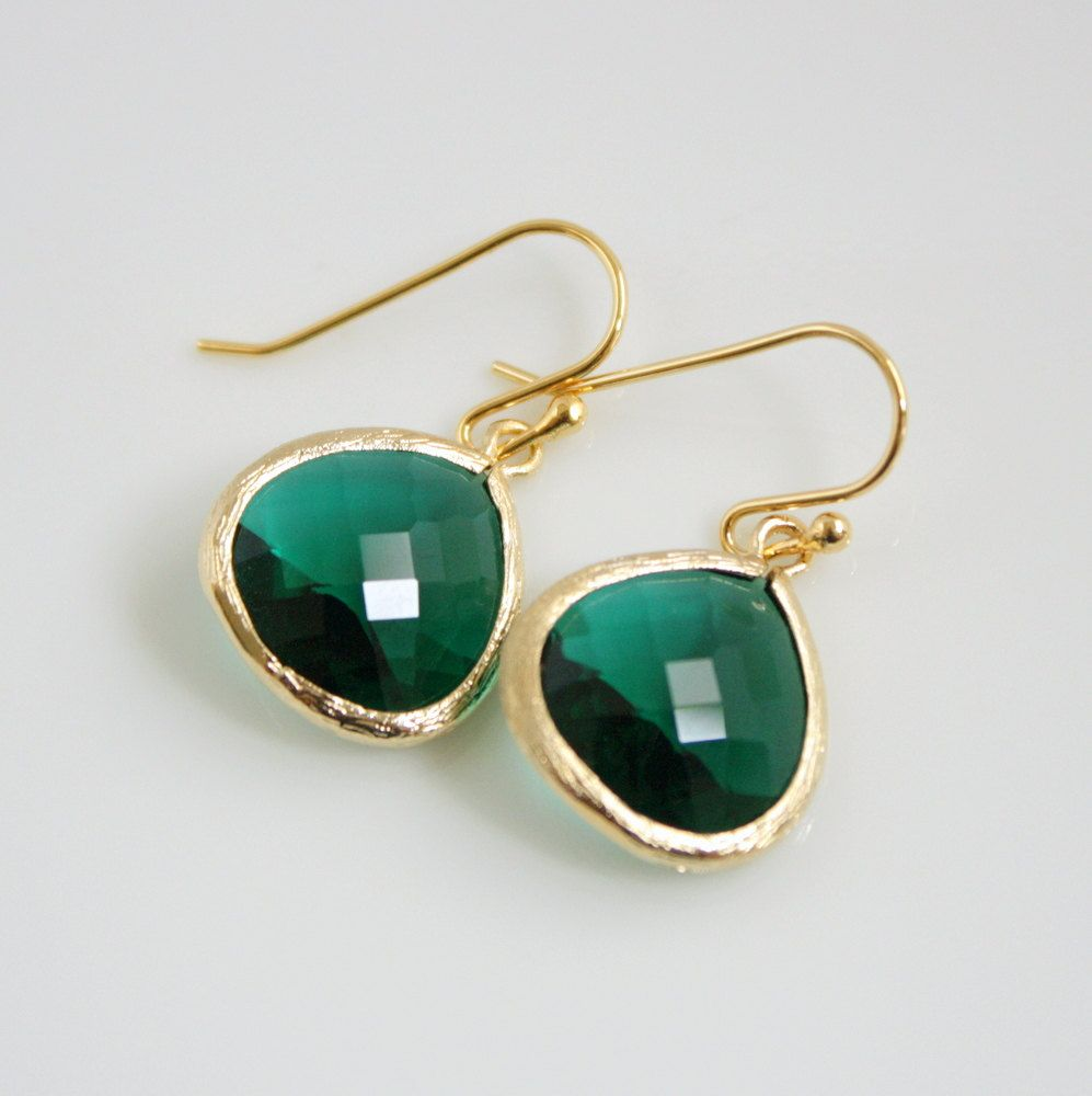 These teardrop emerald earrings are the perfect way to add #coloroftheyear to your everyday wardrobe #UniqueUrbanRocks