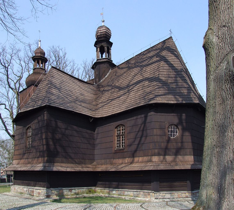Drewniany kościół w Bierdzanach