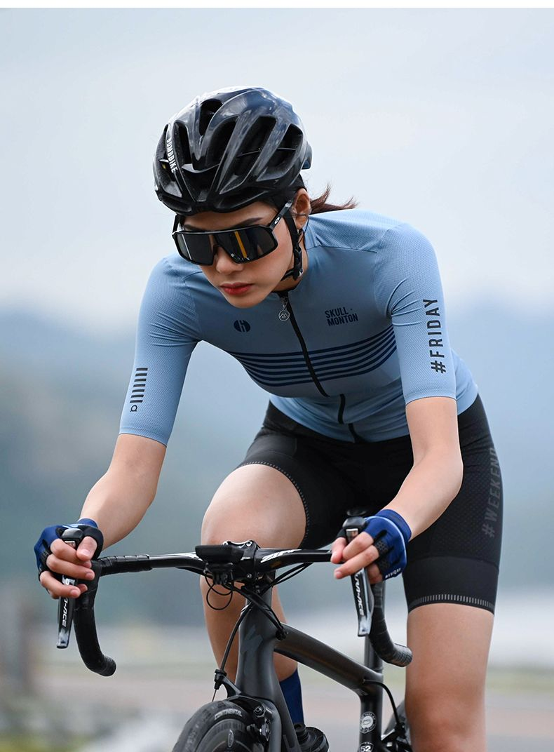 Lightweight Cycling Jersey In 2020 With Images Women S Cycling