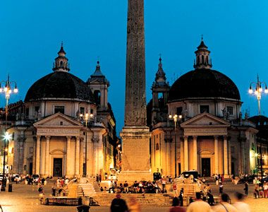#FunFact: Piazza del Popolo's twin churches aren't really twins, they actually differ in size and shape. #Rome, #Italy