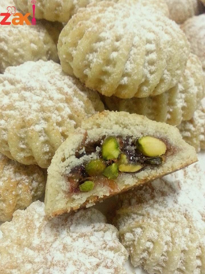 اطيب وانجح معمول زاكي Arabic Sweets Recipes Arabic Dessert Arabic Food