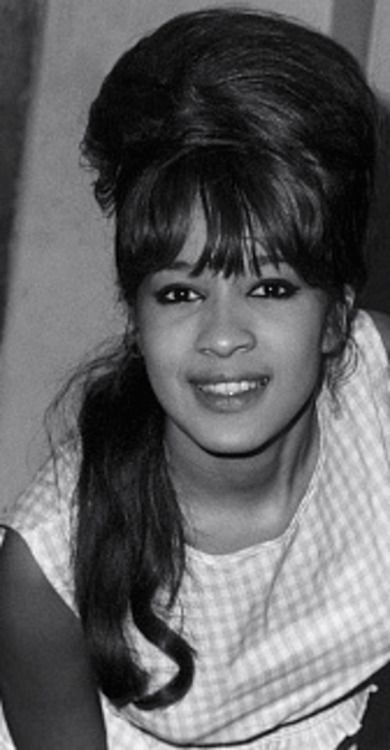 Veronica Bennett - The Ronettes | The ronettes, Ronnie spector ...