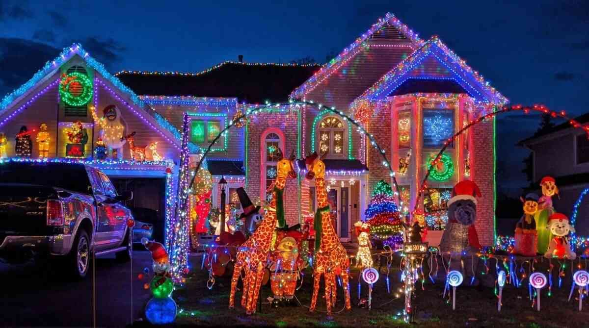 6 Spectacular Christmas Lights Around Rochester | Day Trips Around