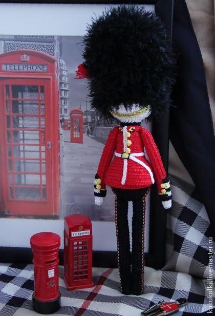 Bambole da collezione a mano.  Fiera Masters - handmade guardia inglese.  Handmade.