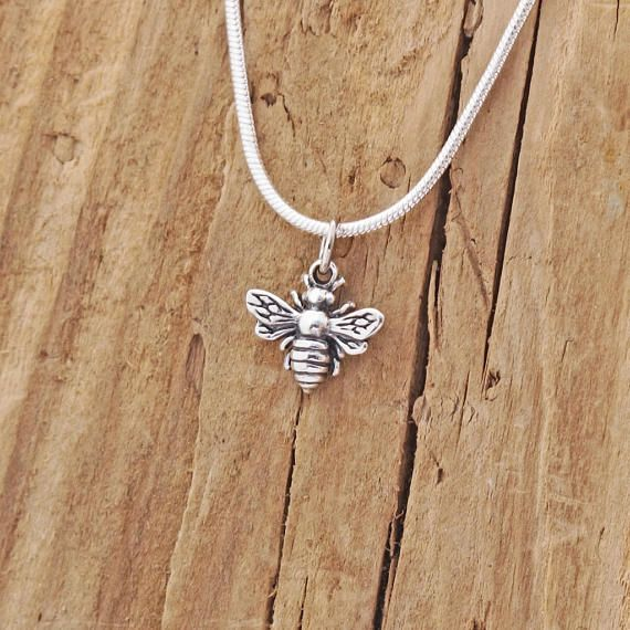 Sterling Silver Tiny Bee Charm Pendant Necklace Worker Bee JbvNzM
