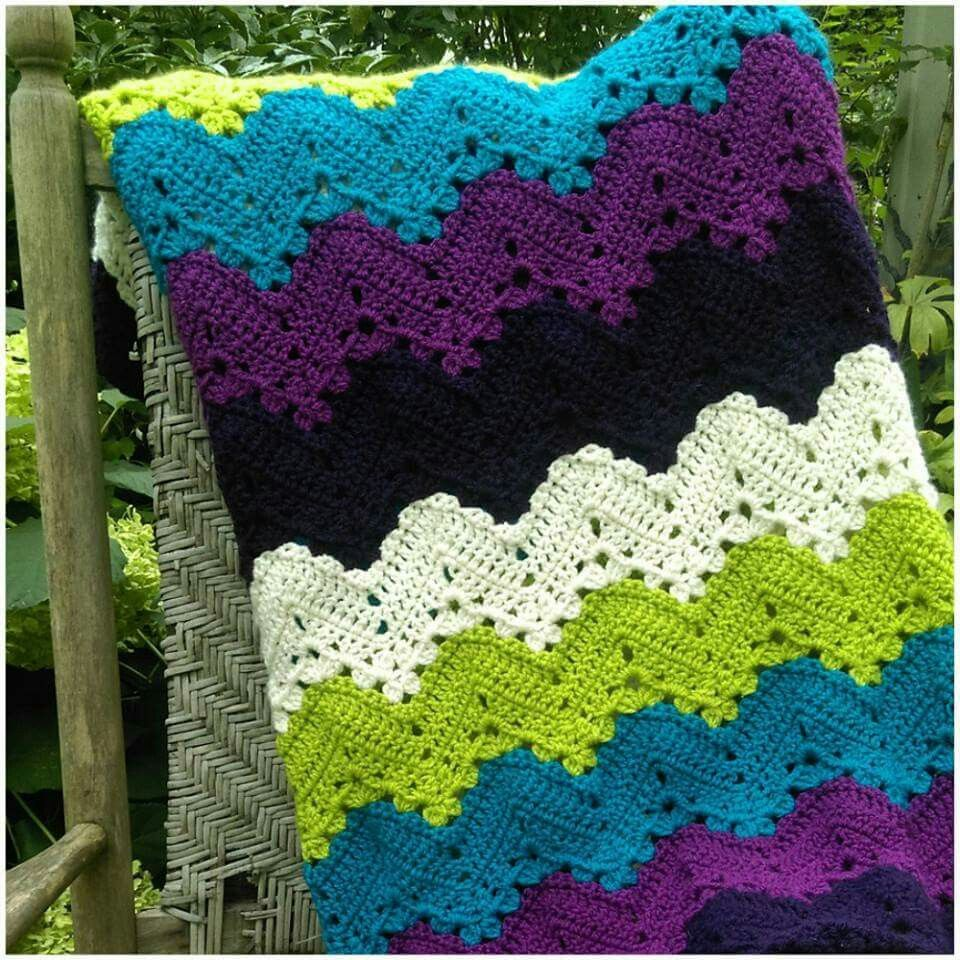 Pin de Caroletelee en Mantitas crochet | Pinterest | Manta y Tejido