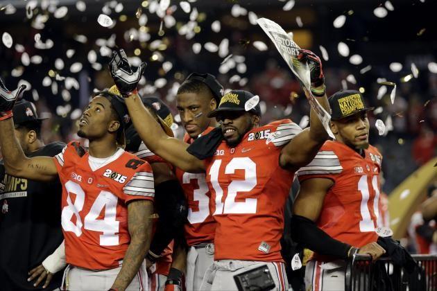Preseason College Football Rankings 2015 Twitter Reacts To Ap Ncaa Top 25 Poll College Football Rankings College Football Ohio State Football
