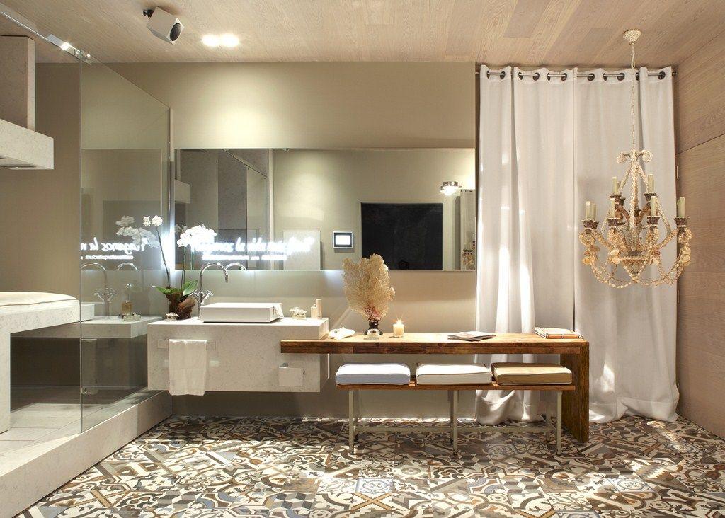 Ba o tocador con mueble lavamanos y tocador de madera for Mueble de bano de diseno de madera