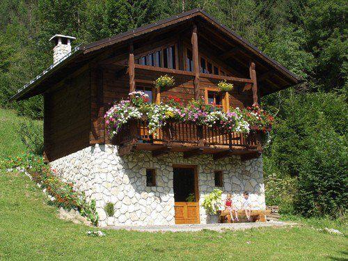 Typical alpen haus bauernhaus und architektur for Traditionelles deutsches haus