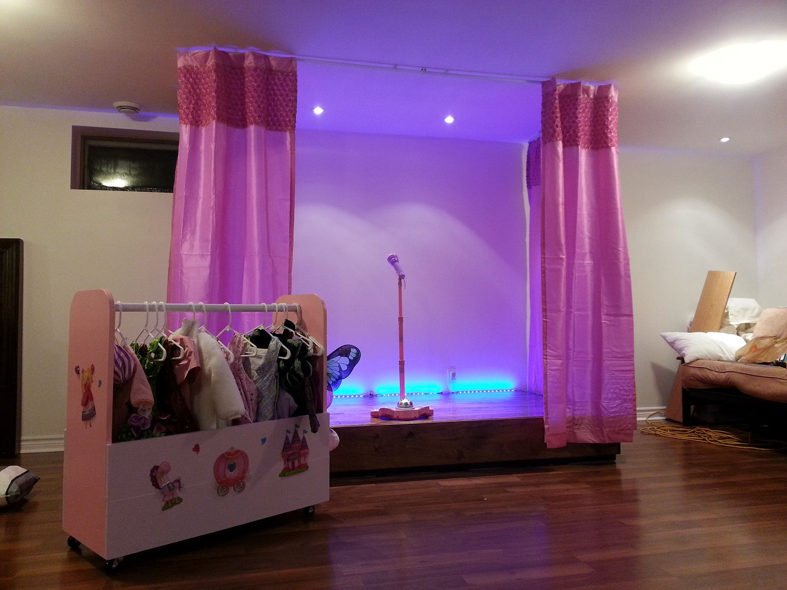 Stage and costume wardrobe kids playroom playrooms stage and stage and costume wardrobe kids playroom solutioingenieria Image collections