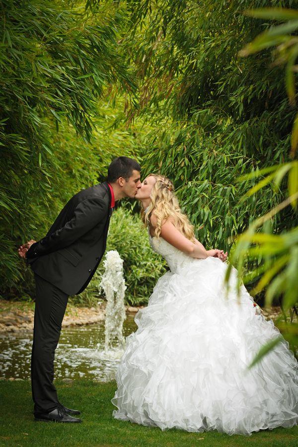 photo de mariage dans un parc lyon shooting photo de couple naturelle photographe mariage. Black Bedroom Furniture Sets. Home Design Ideas