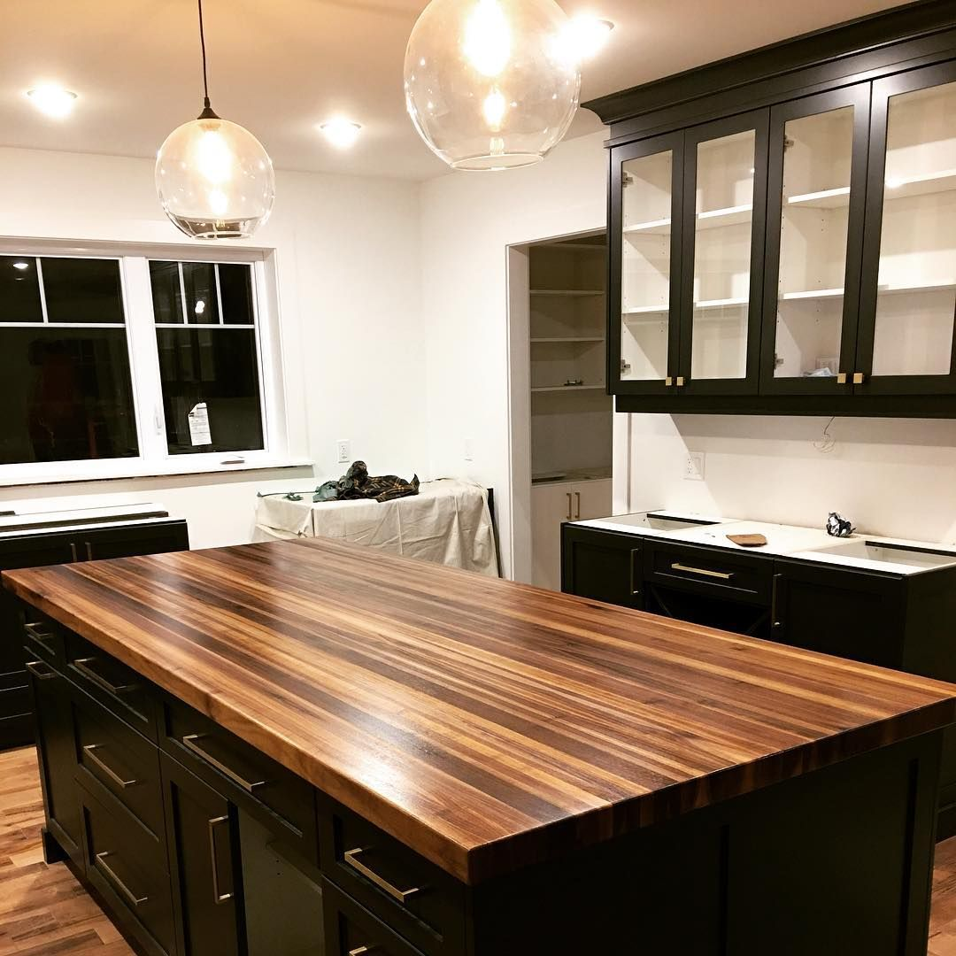 Sappy Walnut Edge Grain Island Top On Black Cabinets Walnut Woodworking Woodwork Black Kitchen Island Wood Top Island Kitchen Kitchen Island With Cooktop