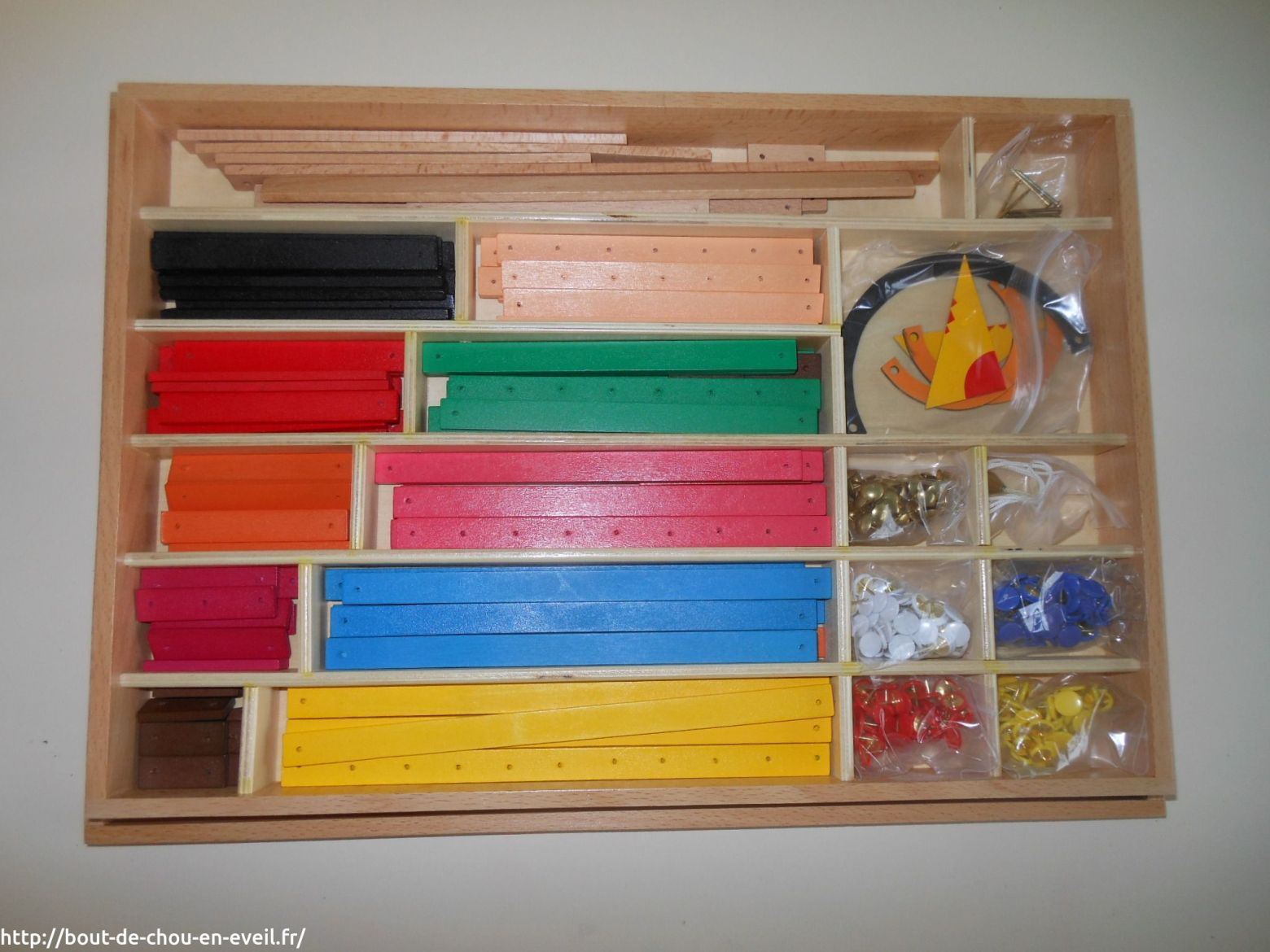 dans ma classe mat riel montessori en maths soutien scolaire montessori mat riel. Black Bedroom Furniture Sets. Home Design Ideas