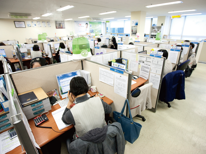 open office cubicles. call center cubicles of one korean companies open office