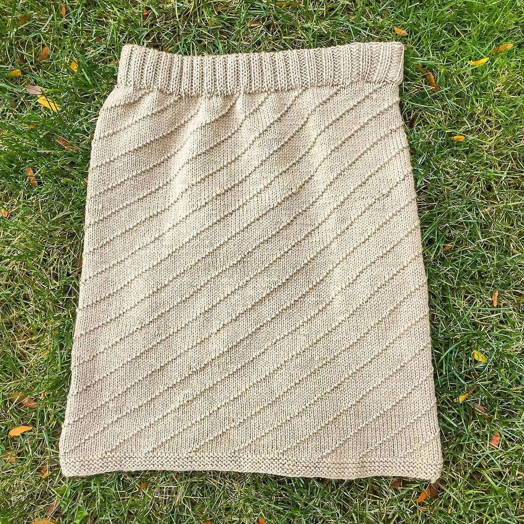 'Sunday Brunch' is finally off the needles.  I need to set up photography and then this pattern can be released (it was previously published in the April 2016 issue of I Like Knitting magazine). The re-release will feature instructions for both dk and worsted as well as 2 hem variations (and instructions for inserting the elastic waistband)
