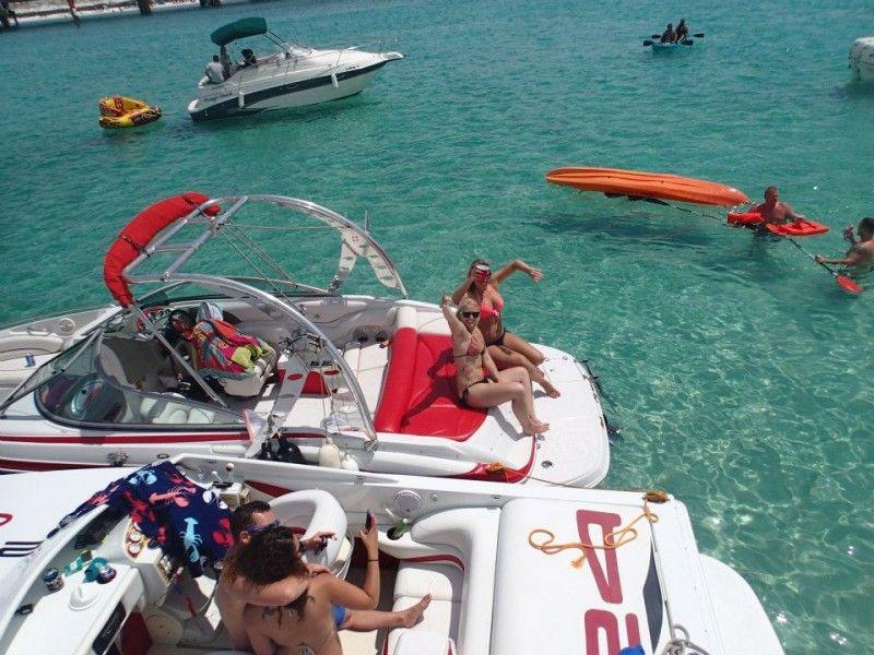 Crab Island Island, Boat, Crab