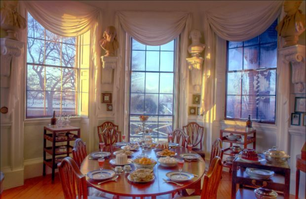 Jefferson's Tea Room In The Monticello. Authentic Colonial