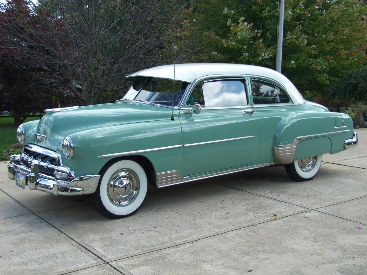 1952 Chevrolet Styleline Deluxe 2 Door Sedan Re Pin Brought To You By Agents Of Carinsurance At Houseofinsurance Chevrolet Classic Cars Trucks Vintage Cars