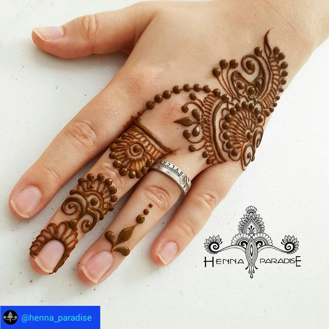 New Model Simple Mehandi Design