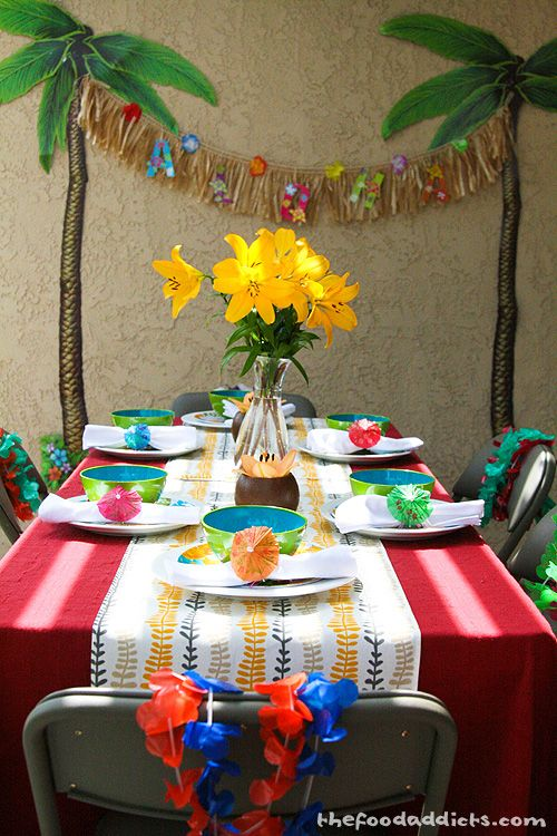 This Garland Made Easy With Dollar Flowers And Butcher Paper Homemade Luau Decorations