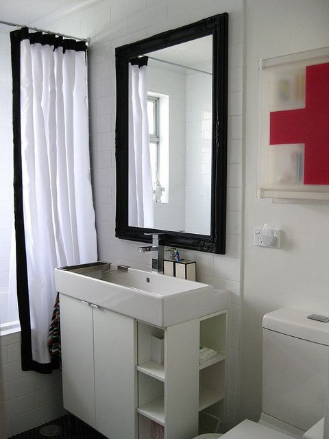 New Main Bathroom by Ninaribena1, via Flickr
